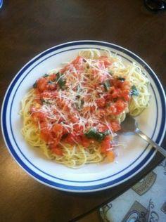 Capellini pomodoro recipe food pinterest pasta pasta recipes and recipes for Olive garden capellini pomodoro