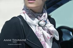 Sea shell scarf ring by ANNE TOURAINE Paris™. Available in wood, and horn. An elegant solution to keep your scarf in place.