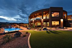 Luxury real estate in St George UT US - Spectacular home with unobstructed views overlooking Snow Canyon State Park - JamesEdition
