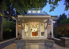 Exterior Colonial portico Design Ideas, Pictures, Remodel and Decor