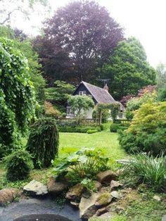 edna walling bickleigh vale - Google Search Vita Sackville West, Beautiful Gardens, Beautiful Homes, Gaudi, Landscape Design, Garden Design, Lancaster, Lenotre, Monet