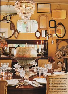 beautiful table (love the mirrors too!)