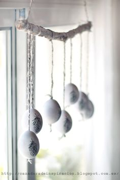 Like the idea of this for a window. Need to go to a Viennese Easter market for the eggs!