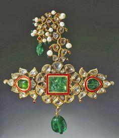 Emerald diamond turban ornament