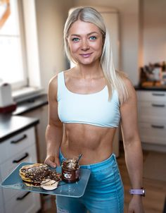 Chocolate Pancakes ✨ Chocolate Pancakes, Weight Loss Shakes, Best Diets, Abs, Healthy Recipes, Crop Tops, Fitness, How To Make, Women