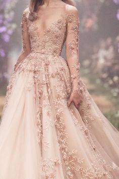 haute couture fashion – Gardening Tips Haute Couture Gowns, Style Couture, Couture Dresses, Fashion Dresses, Girl Fashion, Daily Fashion, Evening Dresses, Prom Dresses, Formal Dresses