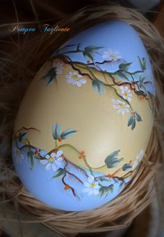 1 million+ Stunning Free Images to Use Anywhere Easter Egg Crafts, Easter Eggs, Art D'oeuf, Egg Shell Art, Easter Paintings, Easter Egg Designs, Egg Art, Egg Decorating, Painted Rocks
