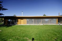 Rodinný dům Královo Pole | Bydlení IQ Garage Doors, Houses, Outdoor Decor, Home Decor, Homes, Interior Design, Home Interior Design, Home, Home Decoration