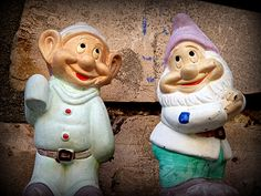 The 2 dwarves! Brothers Grimm, Two Brothers, Sette Nani, In Loco, Seven Dwarfs, Hearth, Gnomes, Caricature, Troll