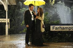 here's another HIMYM (How I Met Your Mother) shot from further back with the yellow umbrella and Ted finally meeting the mother in the series finale. Ted And Tracy, Ted And Robin, Band Of Horses, Yellow Umbrella, Loose Ends, Himym, How I Met Your Mother, Dvd Set, I Meet You
