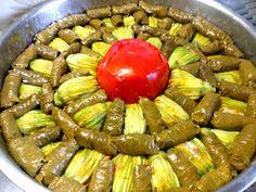 ΜΑΓΕΙΡΙΚΗ ΚΑΙ ΣΥΝΤΑΓΕΣ 2: Ντολμαδάκια με αμπελόφυλλα και ανθούς !!!! Sausage, Cooking, Ethnic Recipes, Greek, Food, Traditional, Kitchen, Greek Language, Eten