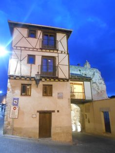 Casa adosada a Puerta de San Andrés-