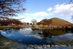 Tumili Park, royal Burial Grounds