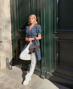 missing that hot Parisian sun ☀️ Parisian, Sun, Instagram, Solar