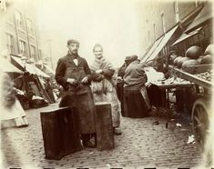 Two traders in a street market in Whitechapel, 1901