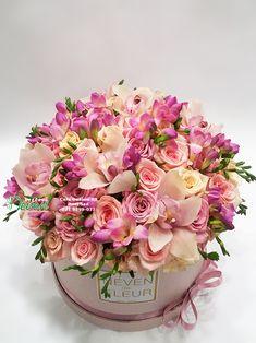 Flowerbox sa ružama, orhidejama i frezijama  Flower in box