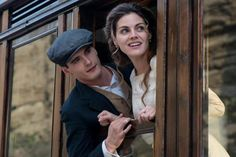 Grand Hotel tv series 2011-2013. Season 3 episode 3, part 45. En el tren.