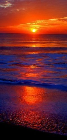 ✮ Gorgeous Sunset, No two sunsets or sunrises are exactly the same; endless possibilities for wonderful color and light combinations. Amazing Sunsets, Amazing Nature, Beautiful World, Beautiful Images, Beautiful Sunrise, Beautiful Ocean, Beautiful Landscapes, Wonders Of The World, Cool Pictures