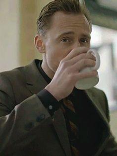 Tom Hiddleston for GQ Magazine - issue March 2017 (https://www.youtube.com/watch?v=ZDz-gEJS9BA )