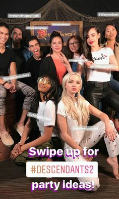 Dove Cameron on Oh My Disney posted on her Insta Stories. Dove Cameron on Oh My Disney posted on her Insta Stories. Disney Channel Descendants, Descendants Cast, Disney Channel Stars, Dave Cameron, Cameron Boyce, Dove And Thomas, Karan Brar, Anne Mcclain, Booboo Stewart