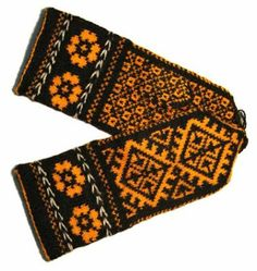 Still another pair of Latvian lady's mittens, Kurzeme region
