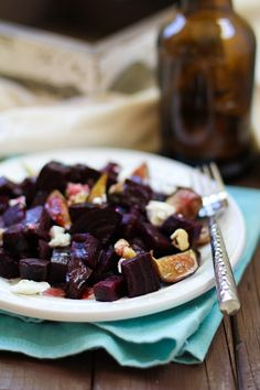 Roasted Beet & Fig Salad with homemade blackberry balsamic vinegar | http://www.theroastedroot.net