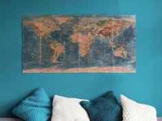 Tutoriales DIY: Cómo hacer un mapamundi decorativo en un corcho con foto transfer vía DaWanda.com