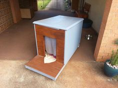Newest Snap Shots Hottest Pics Dog Kennel End Table White Dog Kennel Xlarge Size. Newest Snap Shots Hottest Pics Dog Kennel End Table White Dog Kennel Xlarge Size… Newest Snap Sh Pallet Dog House, Build A Dog House, Dog House Plans, House Building, Building Plans, Pallet Fence, Puppy Obedience Training, Basic Dog Training, Training Dogs
