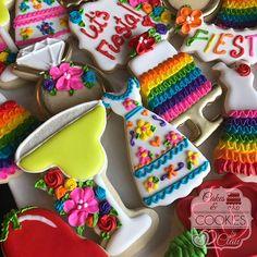 Ring with flowers and fiesta Sugar Cookie Icing, Cookie Frosting, Royal Icing Cookies, Sugar Cookies, Iced Cookies, Cut Out Cookies, Cupcakes, Cupcake Cookies, Fiesta Cake