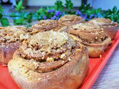 Receita de pão doce recheado com amendoim, manteiga, açúcar e canela. Receita tradicional de família a mais de 50 anos!