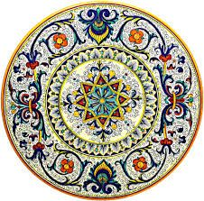 Modern majolica plate. The colors are brighter than original pieces because obtaining colors in the 14th and 15th centuries were difficult.