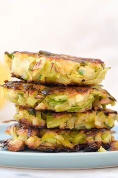 Leek Patties for Rosh Hashanah - West of the Loop Hebraic Study Lauchpastetchen für Rosh Hashanah - Leek Recipes, Vegetarian Recipes, Cooking Recipes, Healthy Recipes, Healthy Food, Veggie Dishes, Vegetable Recipes, Side Dishes, Vegtable Appetizers