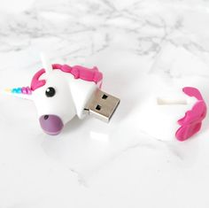 You love unicorns as much we do? Buy this USB Drive right now or cry later ! ▲ 8 Go ▲ USB