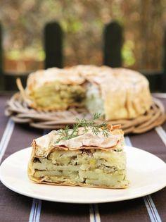Πατατοπρασόπιτα - www.olivemagazine.gr Greek Recipes, New Recipes, Pizza Tarts, Recipe Boards, Food Porn, Food And Drink, Vegetarian, Tasty, Cheese
