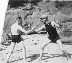 WWCD? Punch you in the face.  Le Corbusier et Pierre Jeanneret sur la plage du Piquey, 1933