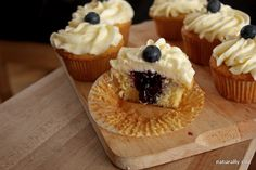 Blueberry and lemon cupcakes- the perfect birthday cake @Heidi Eastveld