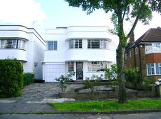 Four-bedroom 1930s art deco property in Southgate, London N14