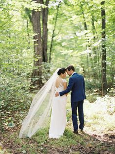 Cosy Fall Quebec Wedding via Magnolia Rouge