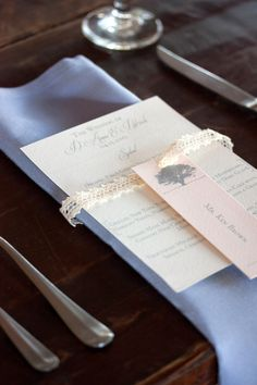 Pretty Wedding Place Cards - dodeline design