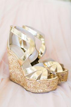 Gold wedding shoes. @weddingchicks