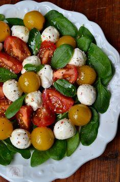 Caprese Salad, Mozzarella, Meals, Healthy, Food, Salads, Meal, Essen, Health