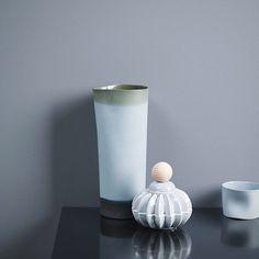 Mange har lagt sin elsk på #decoblue - En annen vakker blåtone er LADY 4618 Kveldshimmel. En nydelig, dempet blåtone. Ikke for lys, ikke for mørk. Denne fargen gir deg ro og sjelefred. Fungerer til Klassisk Hvit, Letthet, Egghvit og Bomull på detaljer. #ladykveldshimmel #kveldshimmel #ladypurecolor #matt #jotunlady #jotun #blå #perfectblue
