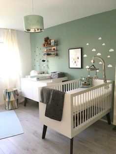 Kinderzimmer Most popular baby room themes Pin by colora tienen on Babykamer / baby room in 2019 Baby Room Themes, Baby Room Decor, Nursery Room, Nursery Decor, Mint Nursery, Green Nursery Girl, Accent Wall Nursery, Cream Nursery, Baby Room Colors