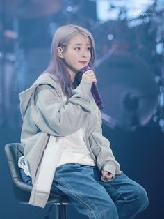 2019 IU Tour Concert 'Love,poem(러브포엠)' in Korean Star, Korean Girl, Asian Girl, Kpop Girl Groups, Kpop Girls, Cherry Hair Colors, Euna Kim, Divas, Cute Poses