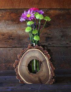 Idei practice de suporturi din discuri de lemn, pentru o atmosfera rustica si primitoare Fara indoiala, pe langa celelalte decoruri interioare, avem nevoie si de cateva ornamente rustice in casa. Vedem aici cele mai frumoase idei practice de suporturi din discuri de lemn http://ideipentrucasa.ro/idei-practice-de-suporturi-din-discuri-de-lemn-pentru-o-atmosfera-rustica-si-primitoare/