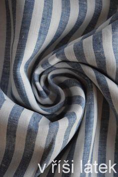54854cea87db Látky · Len 100% měkčený proužek bílo-tmavě modrý