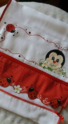 Ladybugs, could be put on the bottom of a doll dress Baby Painting, Painting For Kids, Fabric Painting, Lady Bug, Ribbon Embroidery, Embroidery Stitches, Brother Innovis, Sewing Crafts, Sewing Projects