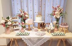 Baby Shower Themes For Gils Flowers Gender Neutral Ideas - Baby Shower Ideas Decoration Buffet, Cake Table Decorations, Home Wedding Decorations, Engagement Decorations, Bridal Shower Decorations, Birthday Party Decorations, Wedding Mandap, Gold Party, Dessert Table