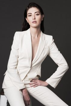 Model Poses Photography, Fashion Photography, Business Portrait, Corporate Portrait, Foto Website, Fashion Poses, Fashion Outfits, Asian Models Female, Japanese Female Models