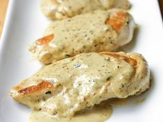 Chicken with Mustard Cream Sauce: this easy chicken dish, with a creamy mustard sauce, is on the table in about 20 minutes! Baked Chicken, Chicken Recipes, Smothered Chicken, Easy Sauce For Chicken, Chicken Sauce, Cream Chicken, Coconut Chicken, Chicken Pizza, White Chicken